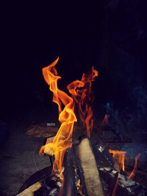 Fire flames  #nokia #nokia808pureview #nokiapureview  #delhi #delhilocations #delhiphotography #monuments #nokialumia #lumia1020 #natural #naturalcolours #purepixelfilms #pure #puredepth #purecolours #basic #photographer #nokiaphotography #nokia9pureview