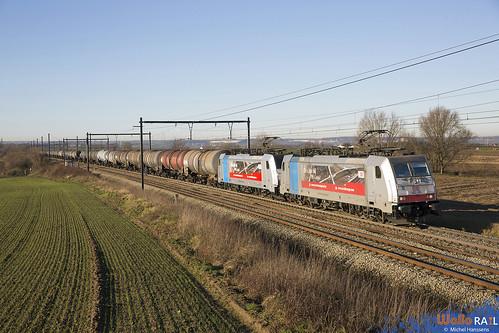186 495 + 186 492 . DB Cargo . E 47061 . Warsage . 30.12.19.