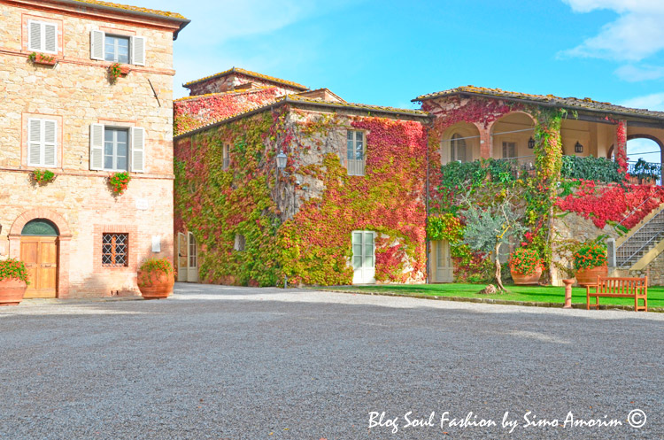 Wow! Parece um quadro do Monet! Borgo San Felice nas cores do outono