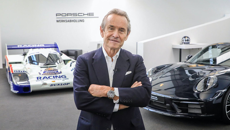 Jacky-Ickx-and-the-2020-Porsche-911-Carrera-4S-Belgian-Legend-Edition-5