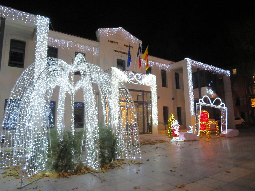 Rousset et ses illuminations de NOEL 2019