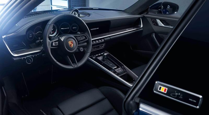 2020-Porsche-911-Carrera-4S-Belgian-Legend-Edition-4