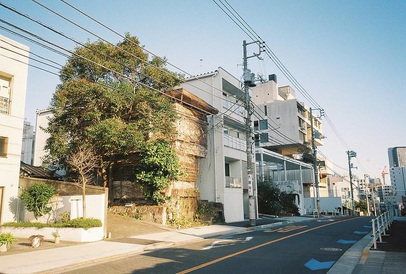 Ricoh GR1s+KodaK Ultramax400偽 東京いい道 しぶい道 三田聖坂 二本榎通り 聖坂の昭和家屋