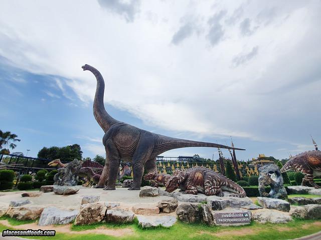dinosaur valley nong nooch