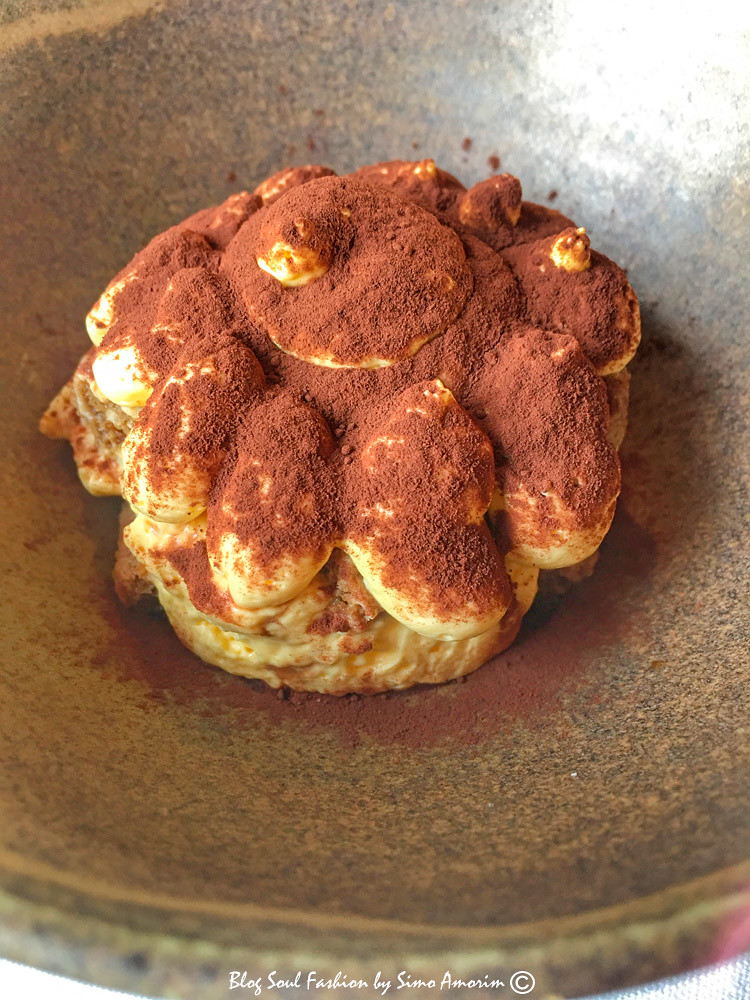 Sem falar da sobremesa, um mascarpone que parece uma obra de arte