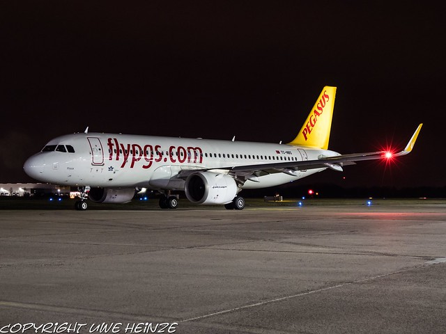 Pegasus Airlines TC-NBS HAJ at Night