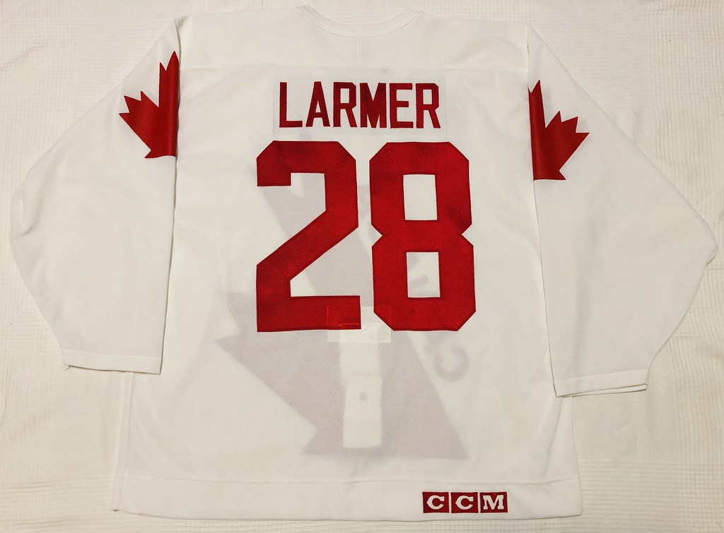 1991 Steve Larmer Canada Cup Team Canada Jersey Back
