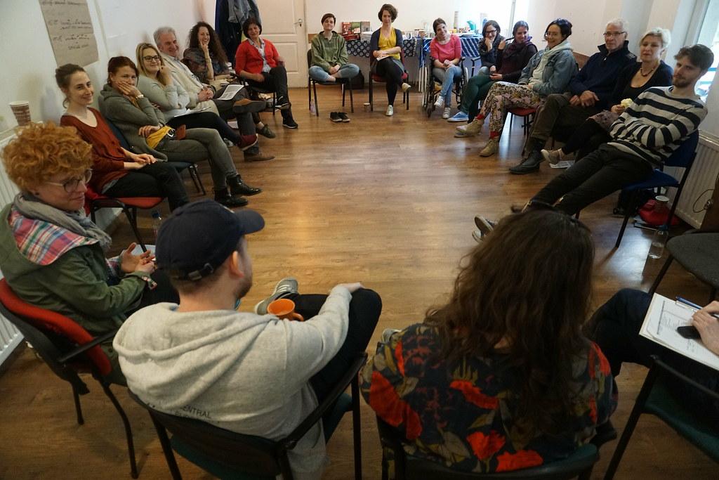 Milyen egy erős mozgalom? online képzés a Közélet Iskolájában