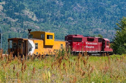 canada canadianpacific canadianpacificrailway castlegar kootenay pentax pentaxk01 summervacation2013 britishcolumbia train caboose van