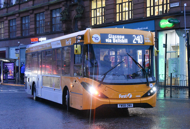 First Glasgow Alexander Dennis Enviro 200 MMC 44686