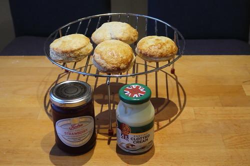 Zutaten für Scones mit Clotted Cream und East Anglian Strawberry Conserve