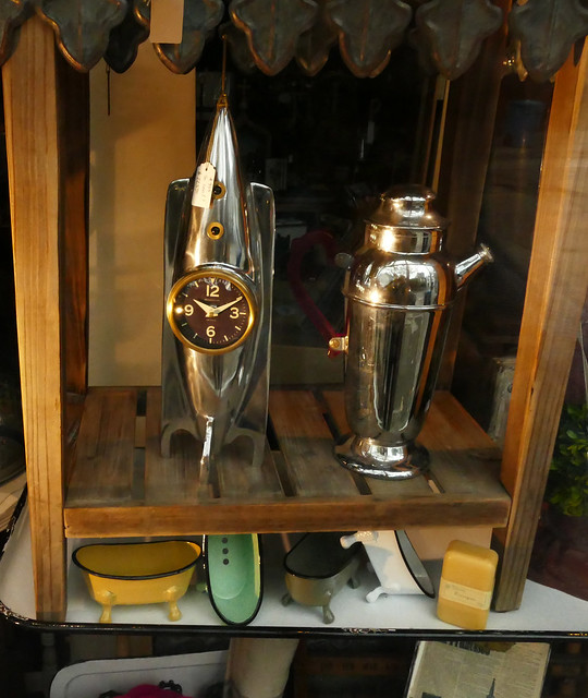 my annual xmas day tradition is a long long photo-op walk, art deco wares in a store window in  noe valley 12-19*