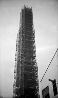 La bastida més estreta / Scaffolded chimney