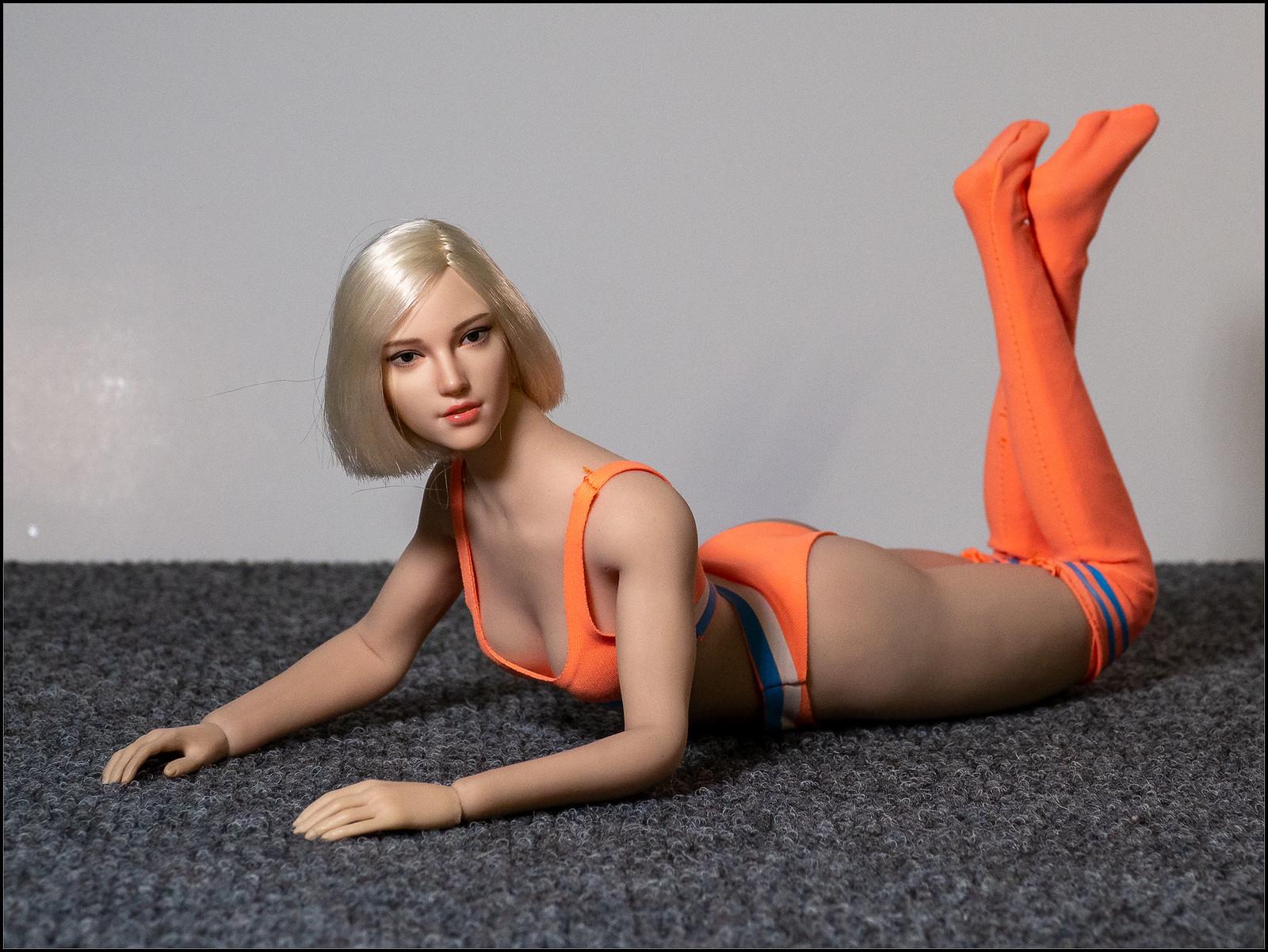 Phicen Female Posing Guide 49324057756_de3efda3f9_h