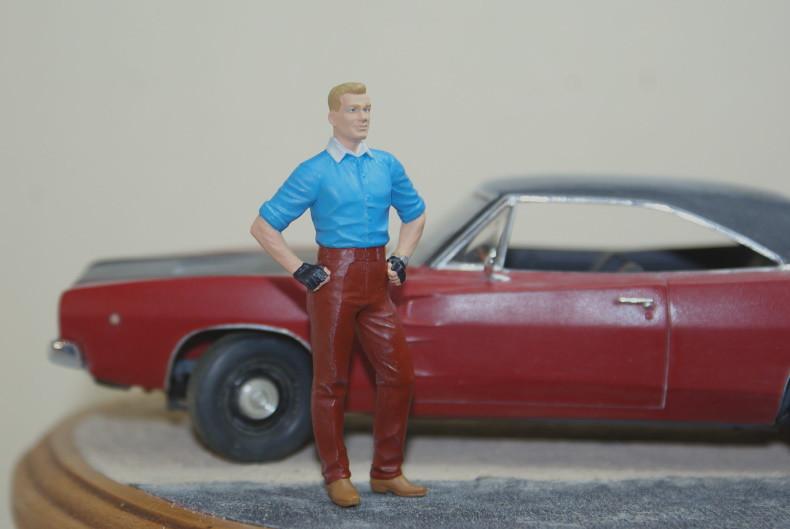 "Vignette ""Tintin aux USA"" [Dodge Charger R/T 68 Revell 1/25 et Stan Master Box 1/24] 49324863877_d079365699_c"