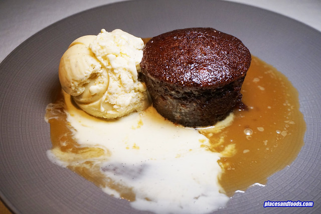 eat me bangkok sticky date pudding