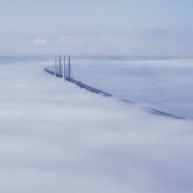 The bridge. 2001.