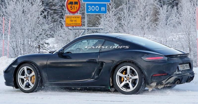 2021-Porsche-Cayman-GTS-4.0-6