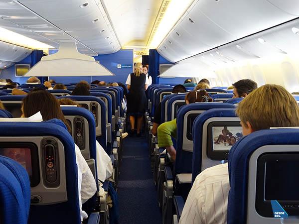 KLM B777-300ER Economy Class 1 (RD)