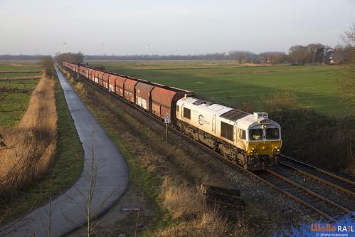 077 002 . DB Cargo .  Fedderwarden , Wilhemshaven . 21.12.19.