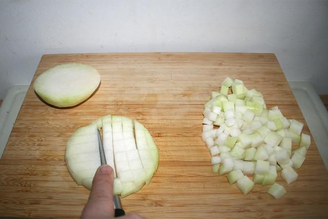15 - Kohlrabi würfeln / Dice kohlrabi