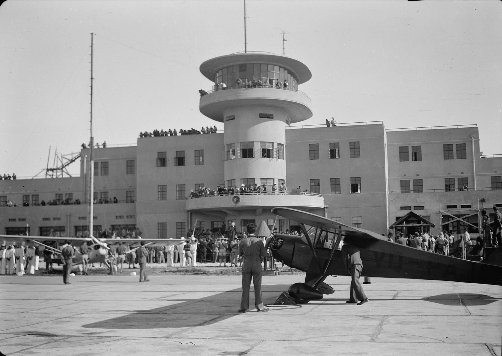01. Общий вид здания аэровокзала в Лоде