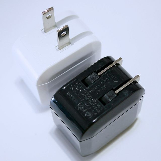 ダイソー AC充電器 USBポート USB充電 100円ショップ