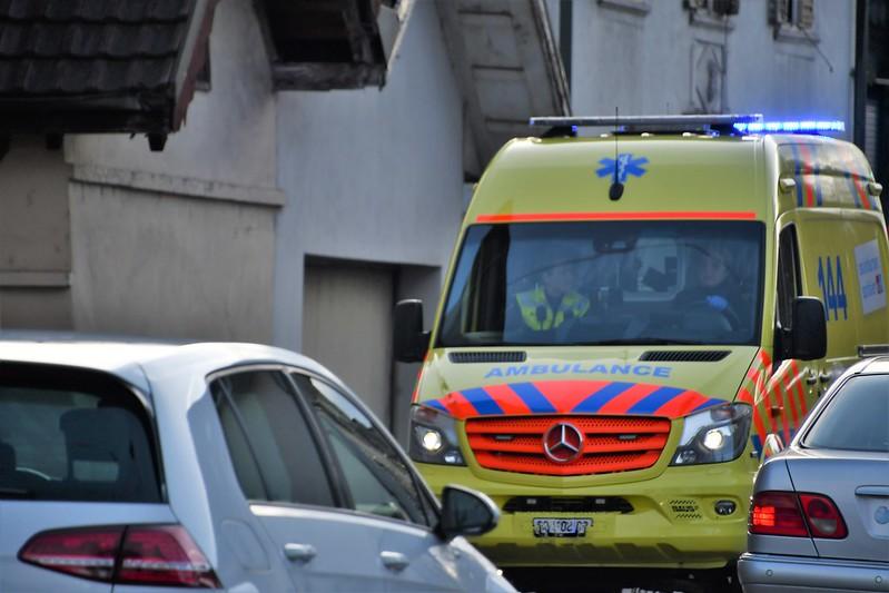Ambulance 04.01, (3)