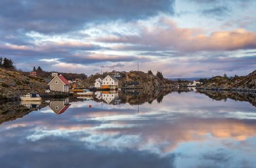bømlo home hiskjo reflection spegling speiling sunset evening colours colors harbour boats houses clouds sea water sunnhordland hordaland vestland