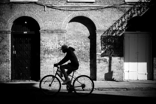 50mm frenchquarter leica mm246 monochrom neworleans noctilux streetphotography blackandwhite bw bicycle leicanoctiluxm50mmf095asph