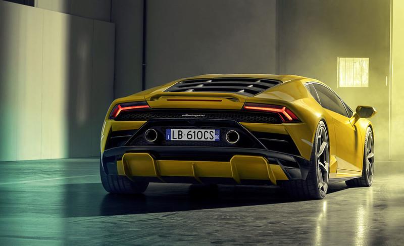Lamborghini-Huracan-EVO-RWD