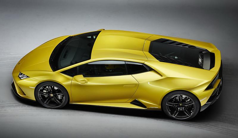 Lamborghini-Huracan-EVO-RWD-2