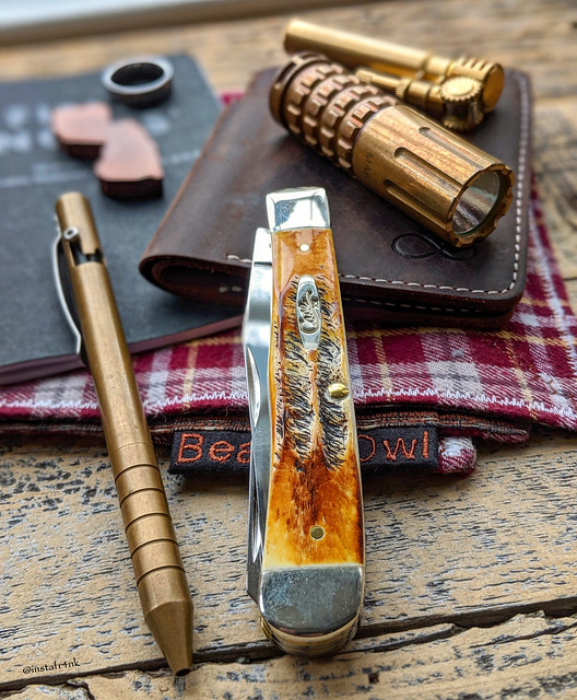Case 6.5 Trapper in BoneStag, Maxmadco bronze pen, Maratac CR123