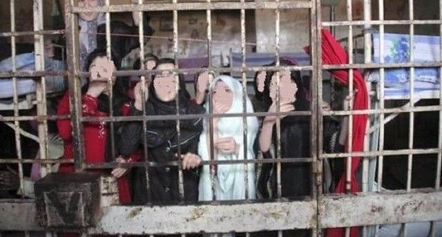 3260 Daughters in Aleppo ask fathers to kill them before being raped by armed forces