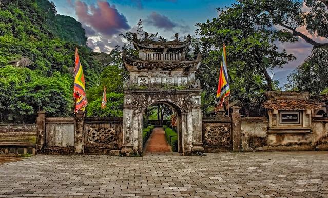 Main Gate, Hoa Lu