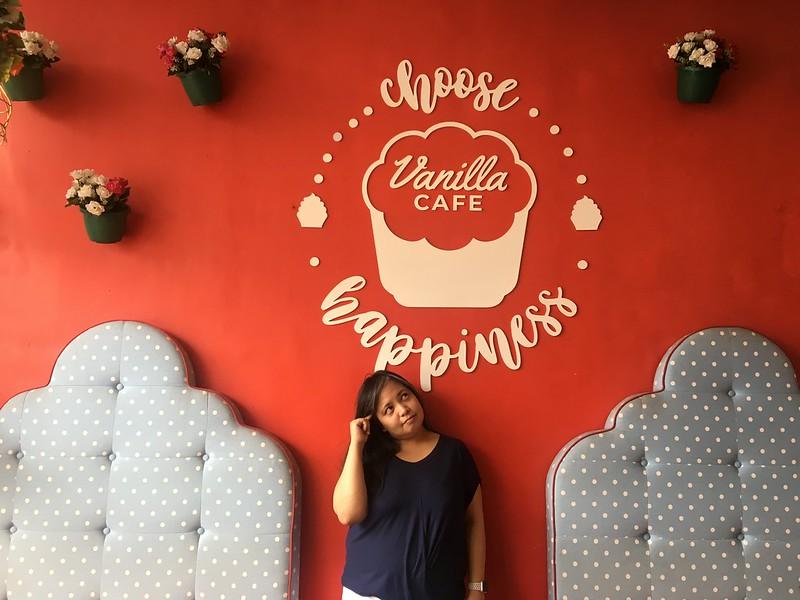 Vanilla Cafe, Tomas Morato