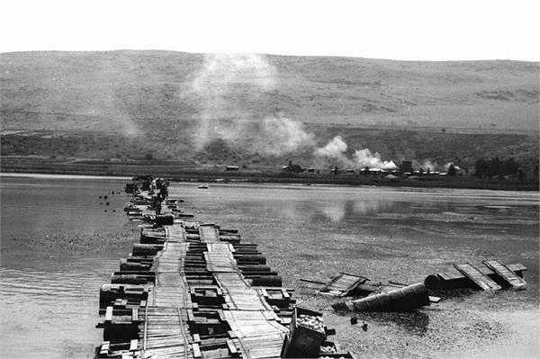 Dardara-barrels-road-19530101-jnf-1
