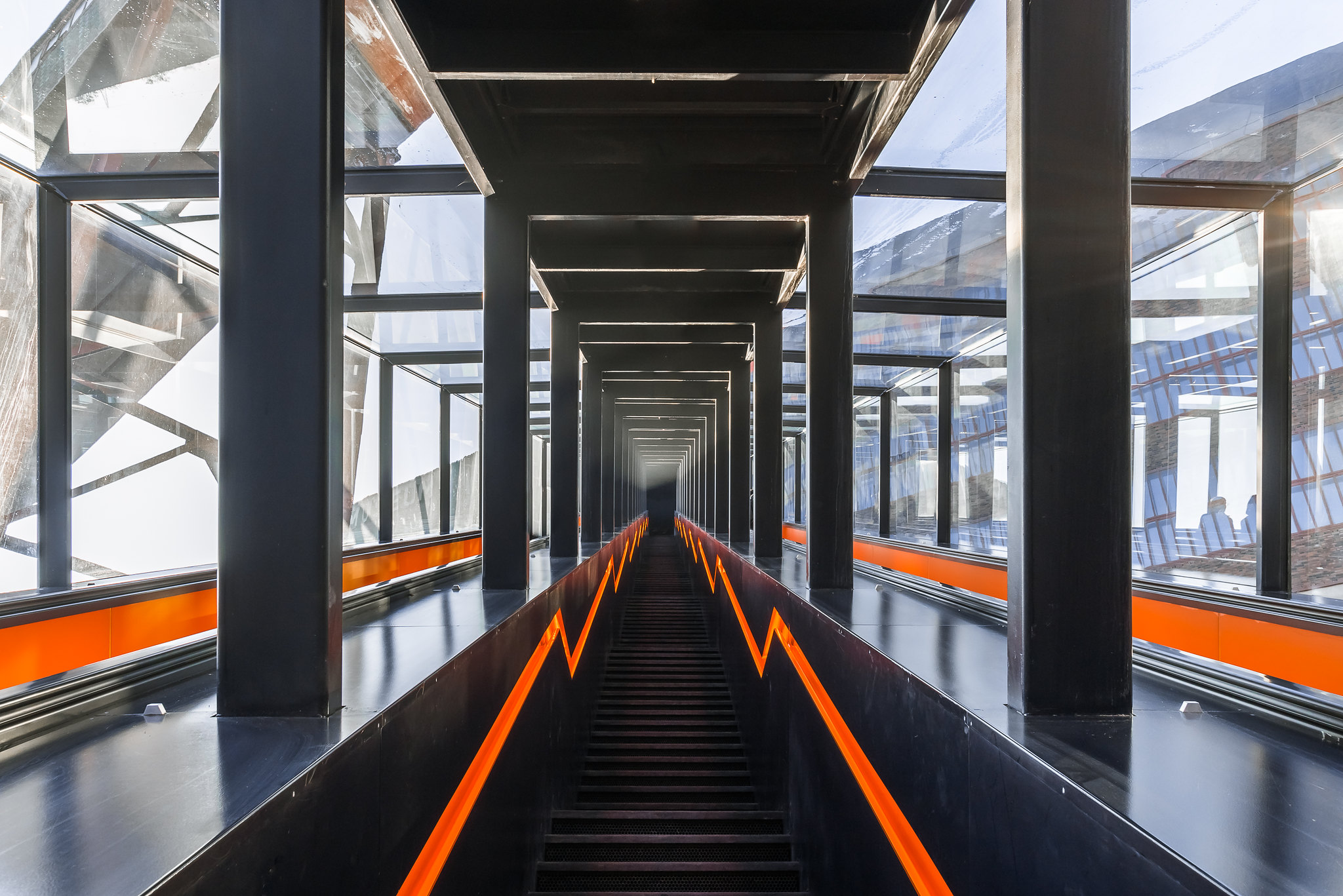 Largest freestanding escalator in Germany