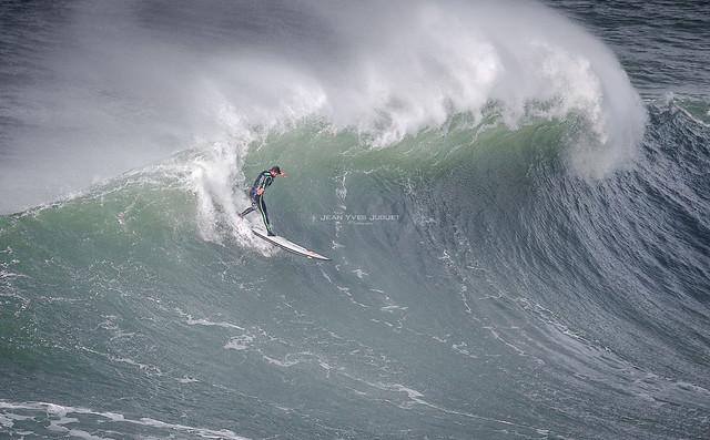 Nazaré Tow Surfing Challenge - Portugal