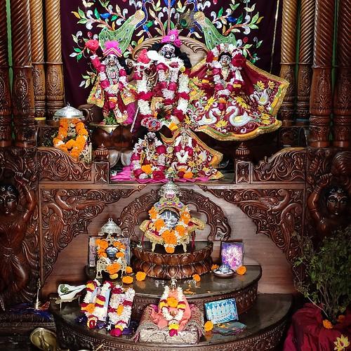 ISKCON Bhubaneswar Deity Darshan 05 Jan 2020
