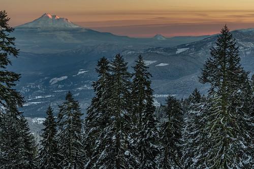 mt shasta last light sunset ashland mount landscape winter christmas al case nikon northern california southern oregon border twilight d500 24120mm f4g