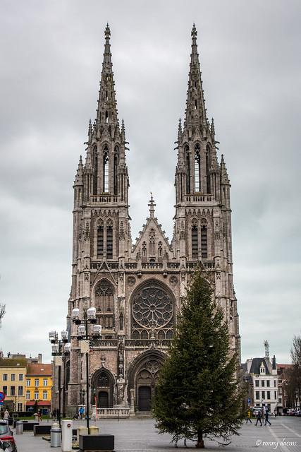 Oostende, Sint-Petrus-en-Pauluskerk.