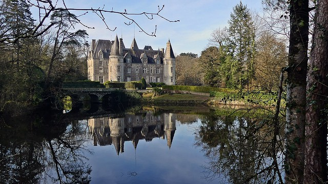 Le Château de Trédion   . . .