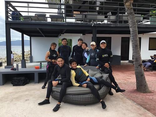 Pre-dive group shot