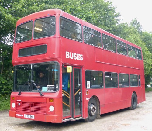 P915 RYO 'Owner Unknown'. Volvo Olympian. Northern Counties on Dennis Basford's railsroadsrunways.blogspot.co.uk'