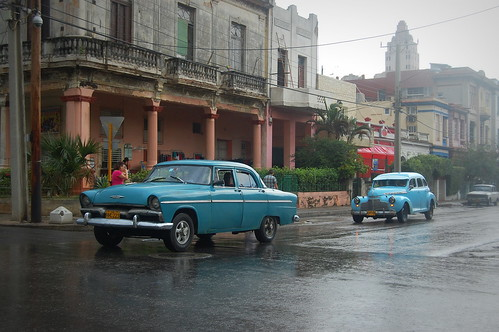 travel culture cuba havana trevel oldcar classiccar rain landscape architecture