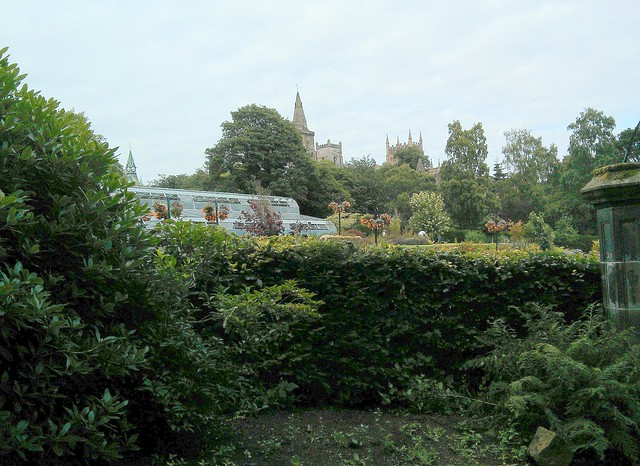 Dunfermline Palace and garden from Pittencreiff Park