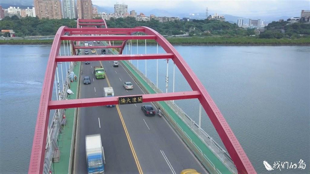 台灣有兩萬多座橋梁,橋齡大於五十年的占5%到6%,橋齡三十年以上的占50%,有一萬多座。