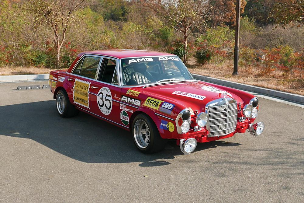 1969-Mercedes-Benz-300-SEL-6-3--Red-Pig--Replica-_19