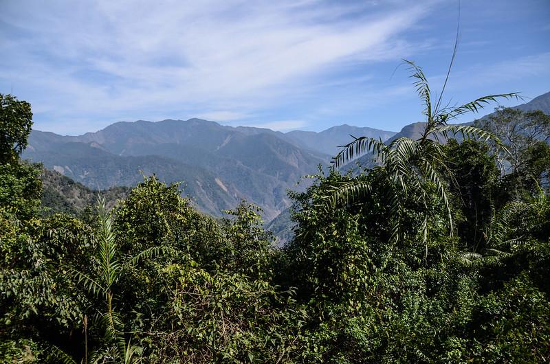 良楠山海拔1465m處東望群山 (1)
